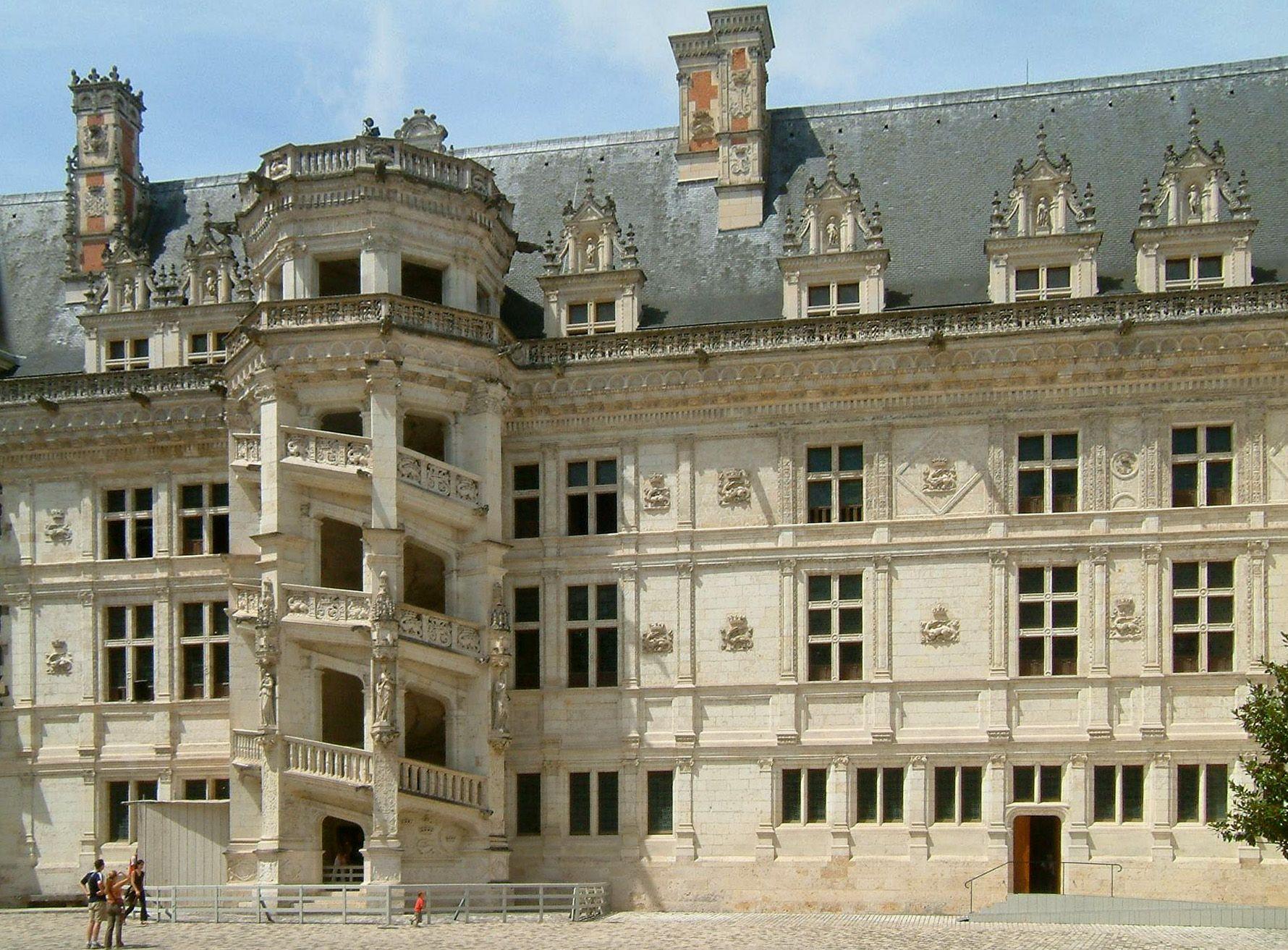 Chateau de Blois Loir et Cher escalier et fa§ade Renaissance