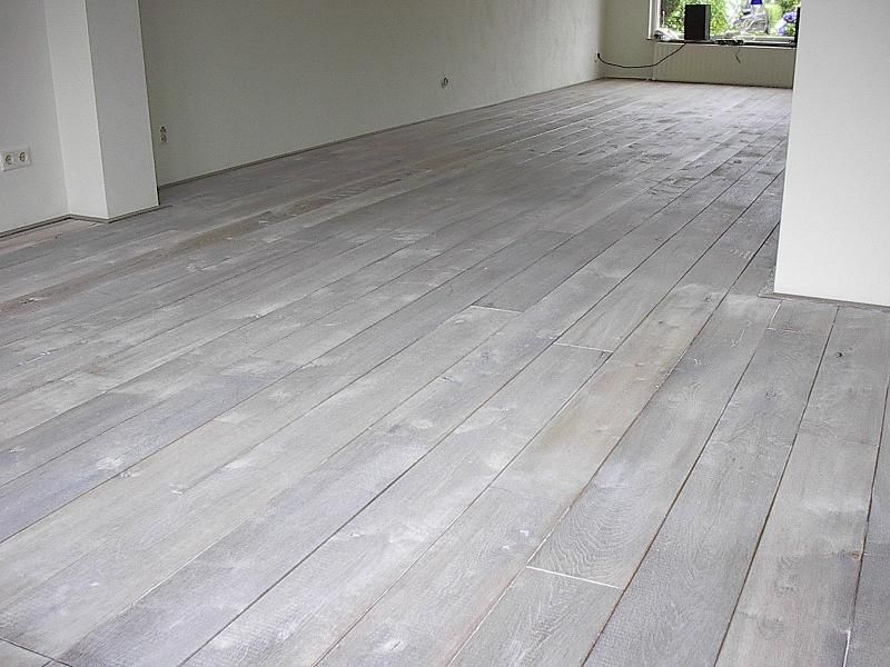 Lichtgrijze Houten Vloer : Je houten vloer een andere kleur geven houten vloeren