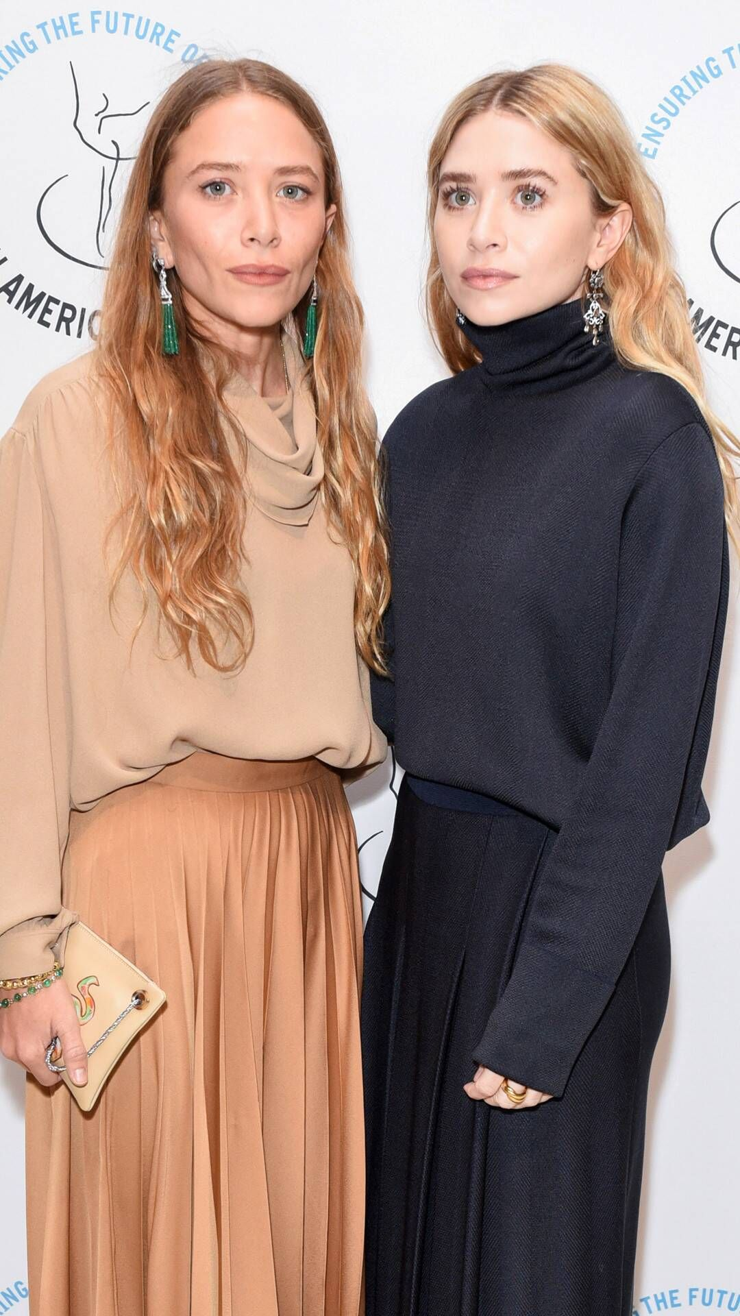 Photos From Mary Kate And Ashley Olsen S Best Red Carpet Moments E Online Mary Kate Olsen Olsen Twins Style Fall Fashion Outfits