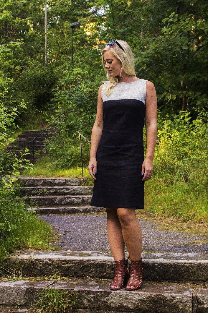 Klänning i linne från Lisas Design. Dress in linen fabric. Made in Sweden. d73c044a5d9b8