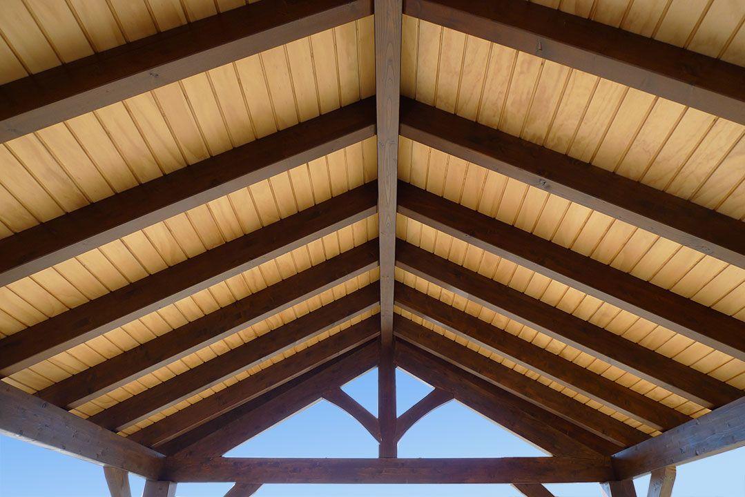 P rgolas coberti misa pinterest planos de casas for Patios con techos de madera