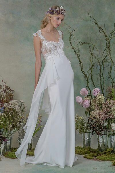 Graceful lines with a lace bodice