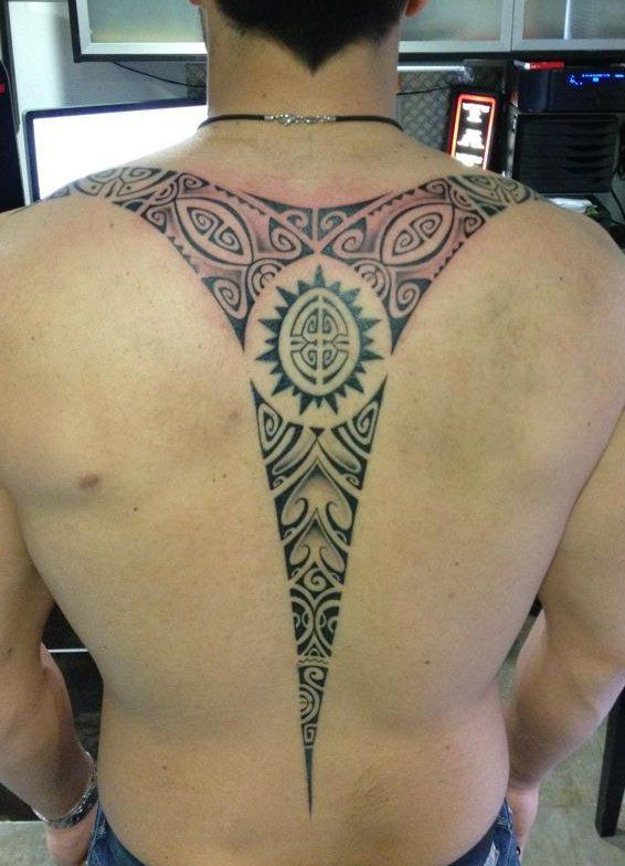 Spine Tattoo Designs For Men Tattoo On The Back Spine Polynesian