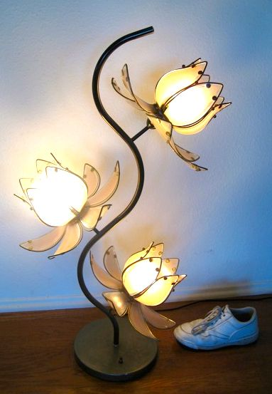 Nice Flower Lamp~ Found A Gold One Just Like This Except Gold And Much Taller!