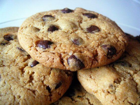Deliciosas galletas con chips de chocolate al estilo de las populares Chips Ahoy