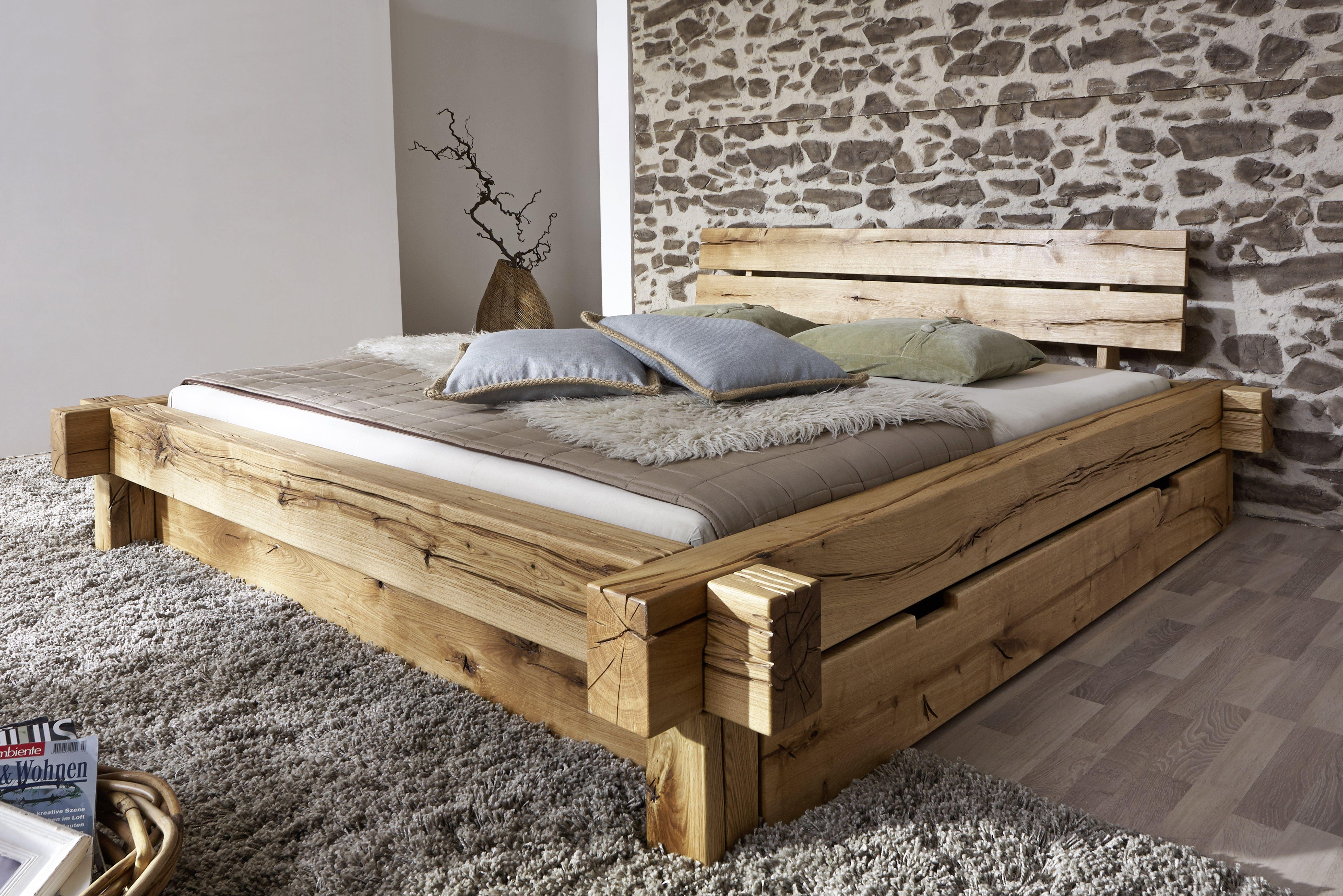 Ein Balkenbett Wie Im Bilderbuch Besonders Fallen Die Maserungen