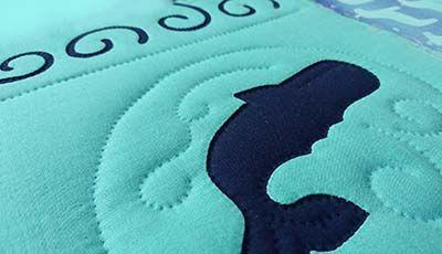 もっとQuiltyな日々  ~ Nani Quilt ~ クジラのヴァニティー