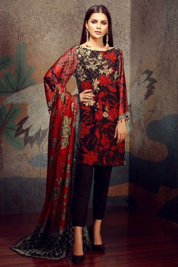 Khaadi Latest Summer Lawn Dresses Designs Collection 20182019 is part of lawn Design Dress - Khaadi Latest Summer Lawn Dresses Designs Collection 20182019 consists of best printed & embroiderd 2 pc, 3 piece suits, kurtis and single shirts!