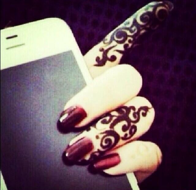 Pin By Hira On ز Simple Mehendi Designs Henna Designs Hand Pictures