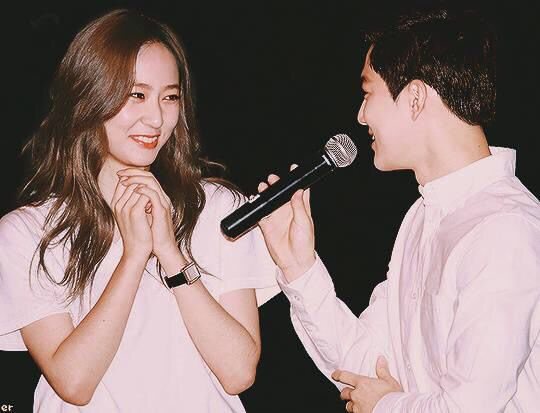 150824 Krystal & SUHO = SMTOWN THE STAGE | f(x ...