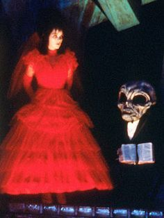beetlejuice, lydia red wedding dress - Google Search | Thriller ...