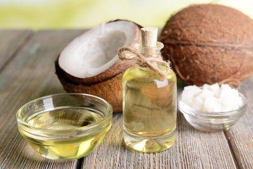 Hiusten kasvu kookosöljyn avulla