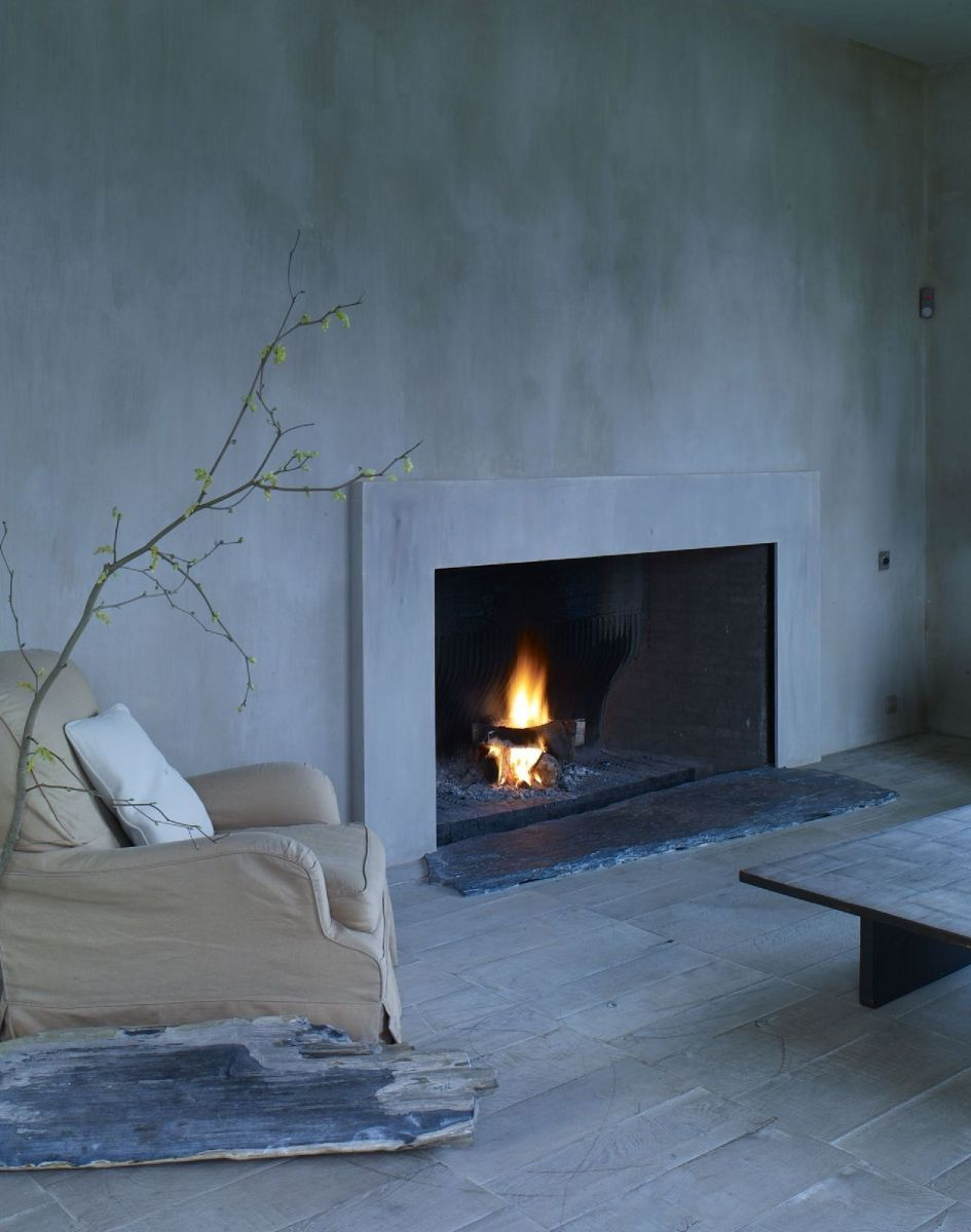 fireplace surround with plaster walls toni u0026 ralph dining room