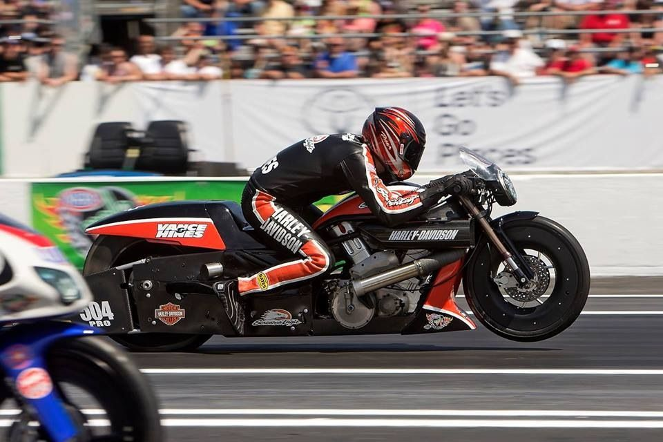 """The three-time stock motorcycle world champion,Andrew Hines recorded his second win of the season and 34th of his carrer in HARLEY-DAVIDSON final. Source:Internet 