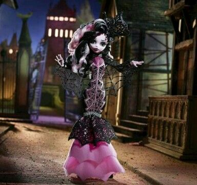 To-Die-For Draculaura doll