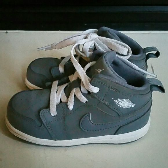 best loved 5ce68 1fa7f Toddlers Grey Air Jordan 1 Mid REG Infant/Toddlers Grey Nike ...