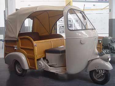 modern vespa have you ever seen a vespa ape triporteurs 3 roues scooters pinterest. Black Bedroom Furniture Sets. Home Design Ideas
