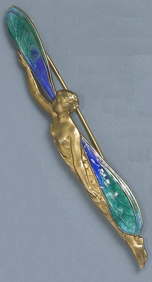 Art Nouveau pin by Piel Freres circa 1900