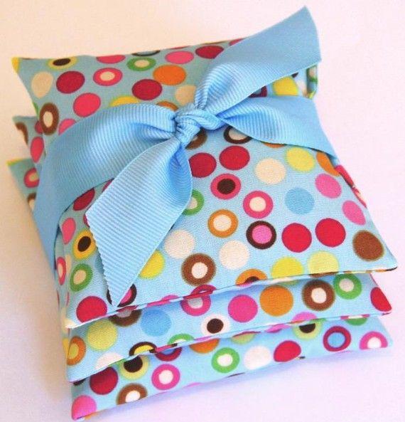 Valentine Favor Valentine Gift . French Lavender Sachets . HOT POLKA DOTS . Printed cotton . #valentine