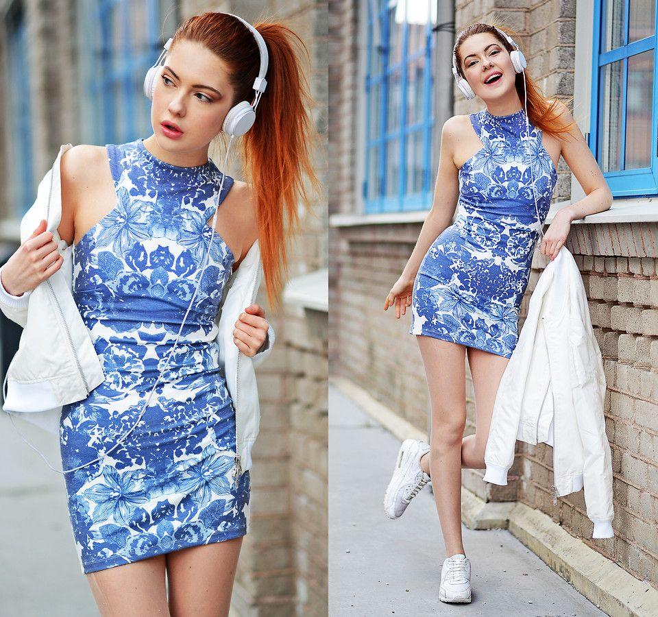 blue-white dress ;)