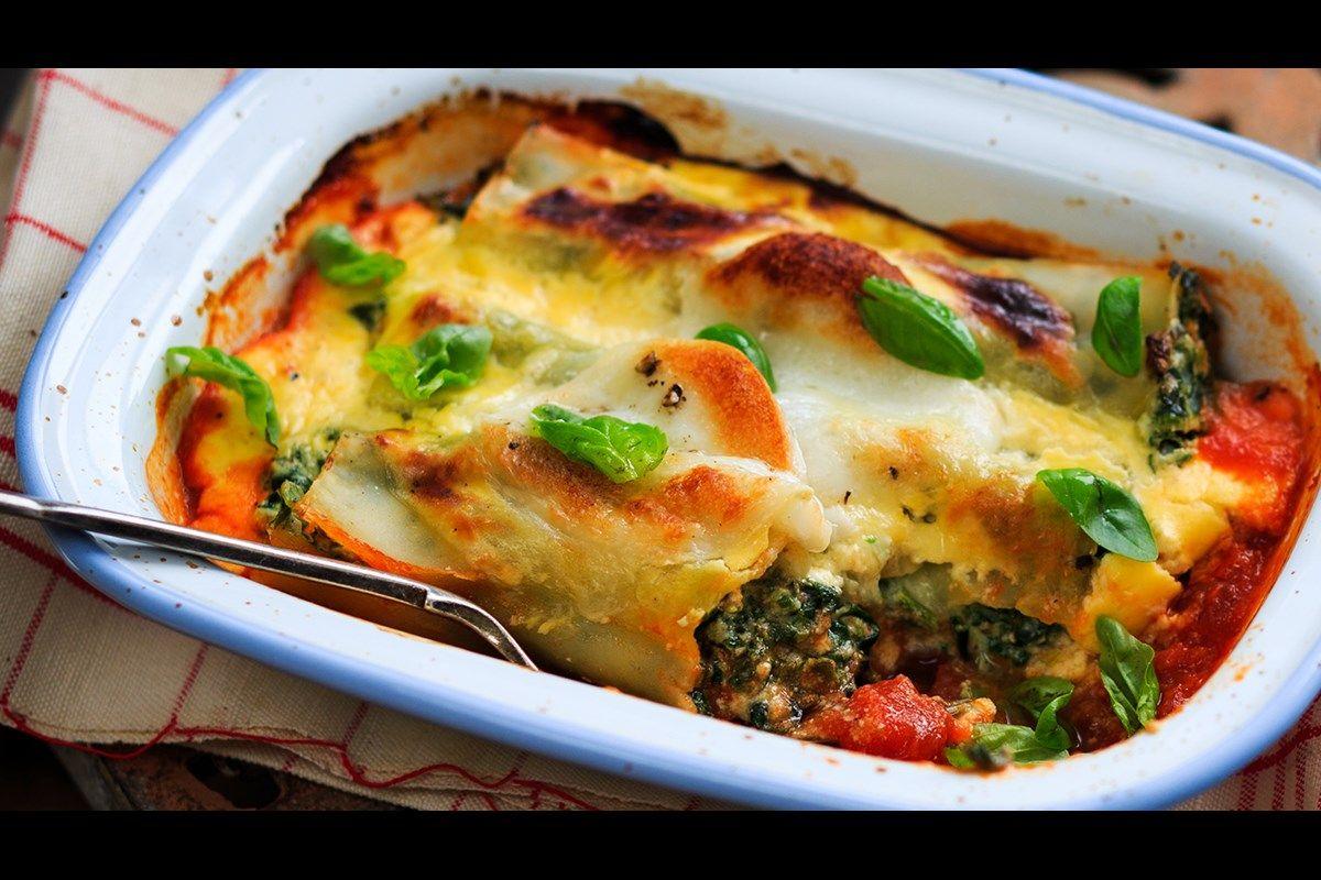 Spinach and ricotta cannelloni ( SERVES 4 ) Recipe