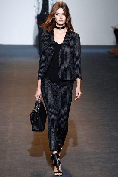 Sfilata costume national milano collezioni primavera for Design della moda politecnico milano opinioni