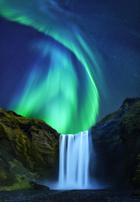 Aurora Borealis Over Skogafoss In Iceland In 2020 Northern Lights Iceland Waterfalls Skogafoss Waterfall