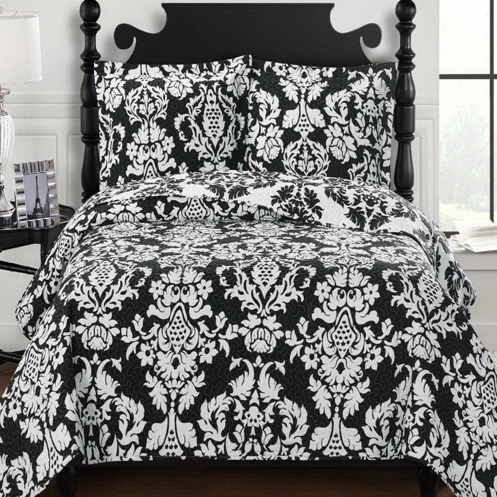 Moroccan Black And White Medallion Quilt Coverlet Set Oversized