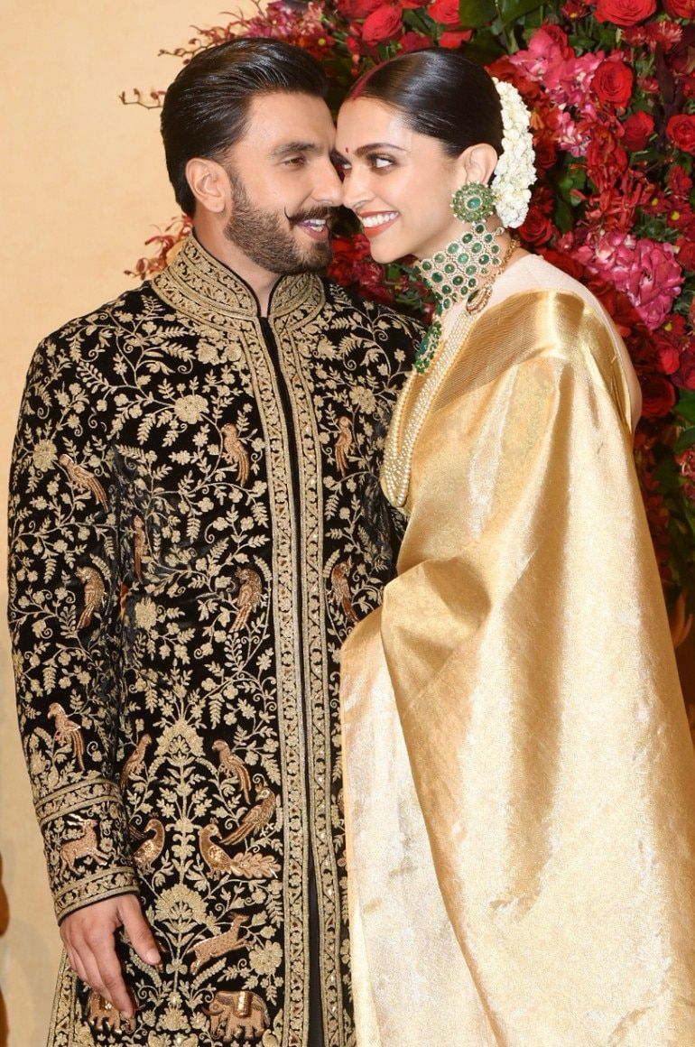 How Deepika Padukone Broke A Wedding Tradition With Her Mumbai Reception Clothes Lifestyle News Wedding Outfit Wedding Outfit For Boys Deepika Padukone