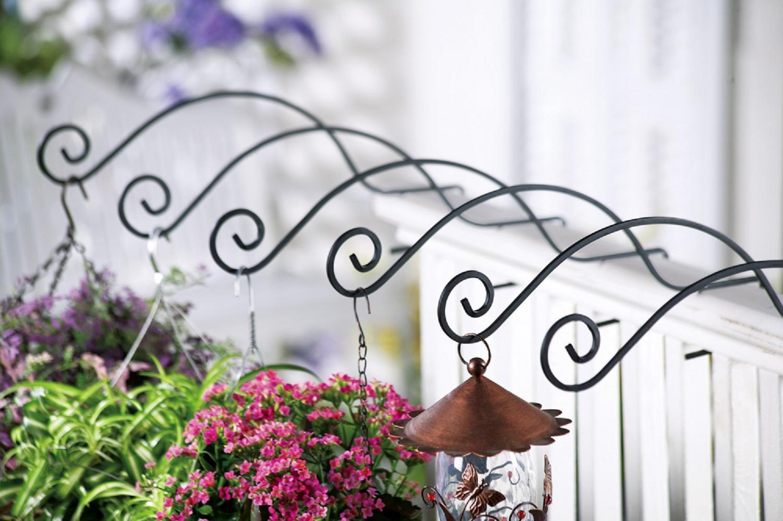 porch railing hangers garden planters containers pots trellises deck planters front. Black Bedroom Furniture Sets. Home Design Ideas