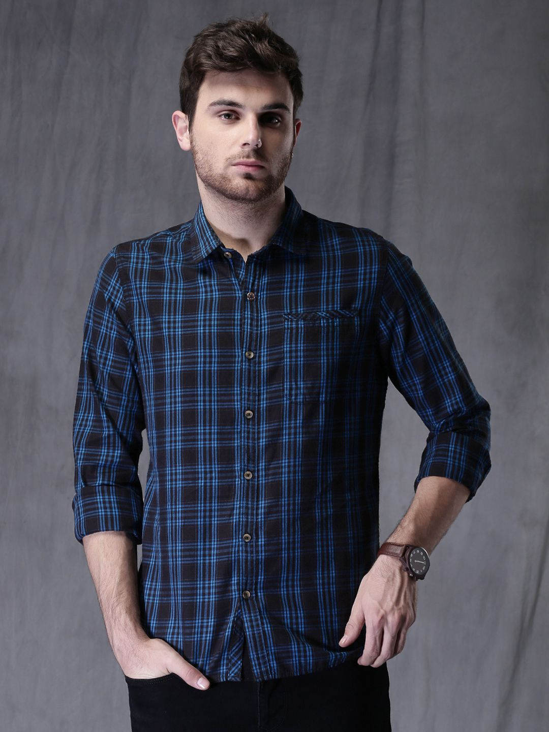 6914a174f91 Buy WROGN Men Navy   Black Slim Fit Checked Casual Shirt - Shirts for Men