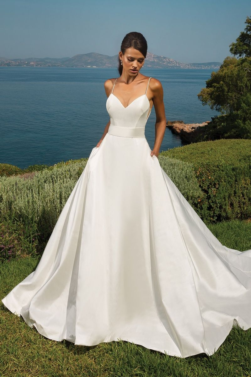 Satin backless wedding dress  Justin Alexander  Style  Silk Dupion ALine with Deep VBack