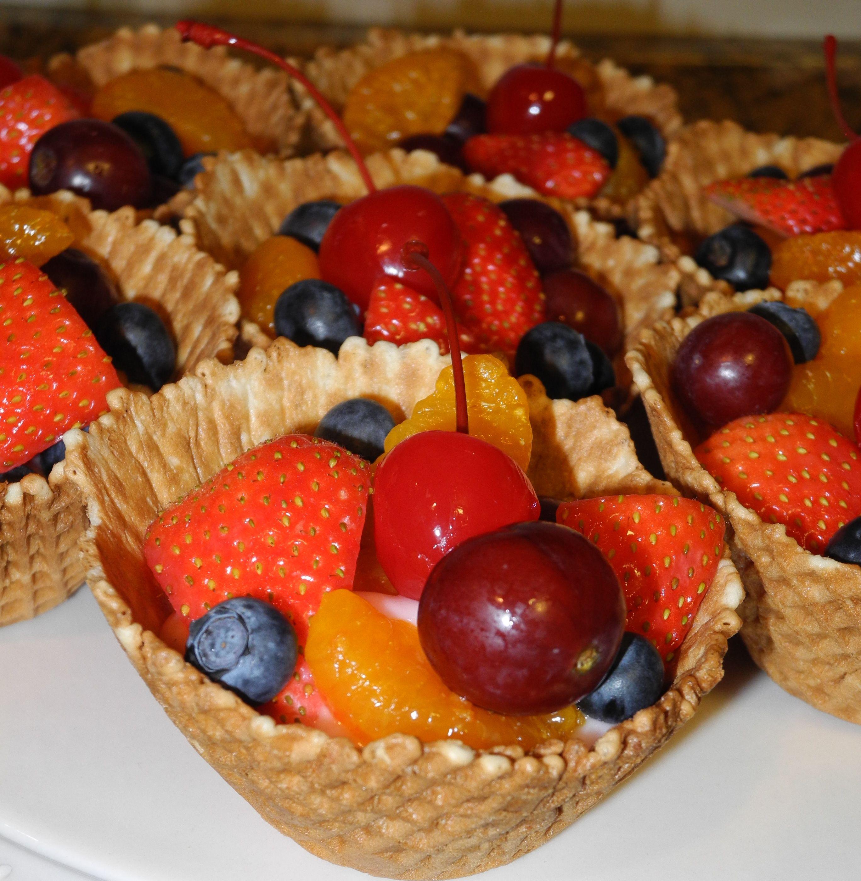 Fresh Fruit And Yogurt Cups