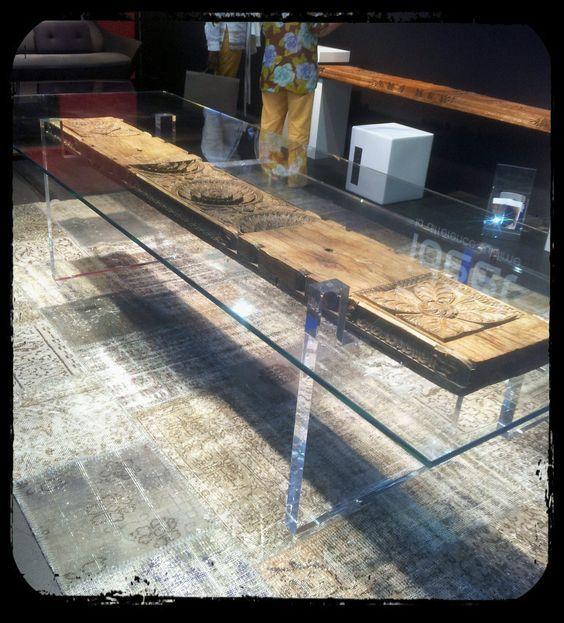 Resultado de imagen de mesa con tablones quemados mesas de madera pinterest mesas de - Mesa comedor cristal y madera ...