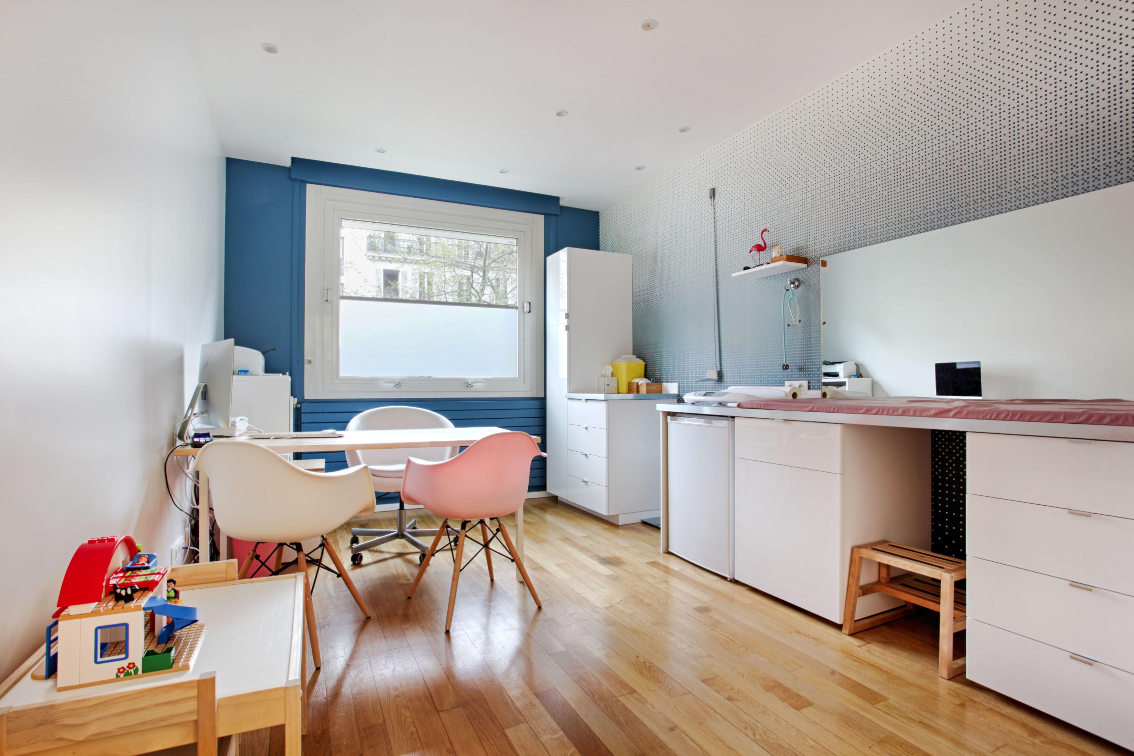 Realisation Agence Cecile Kokocinski Cabinet De Pediatre Homemade Pour Les Petits Enfants Deco Bureau Professionnel Architecte Interieur Deco Bureau
