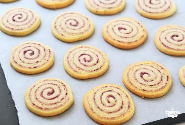 Cranberry Almond Swirl Cookies | Imperial Sugar #whippedshortbreadcookies