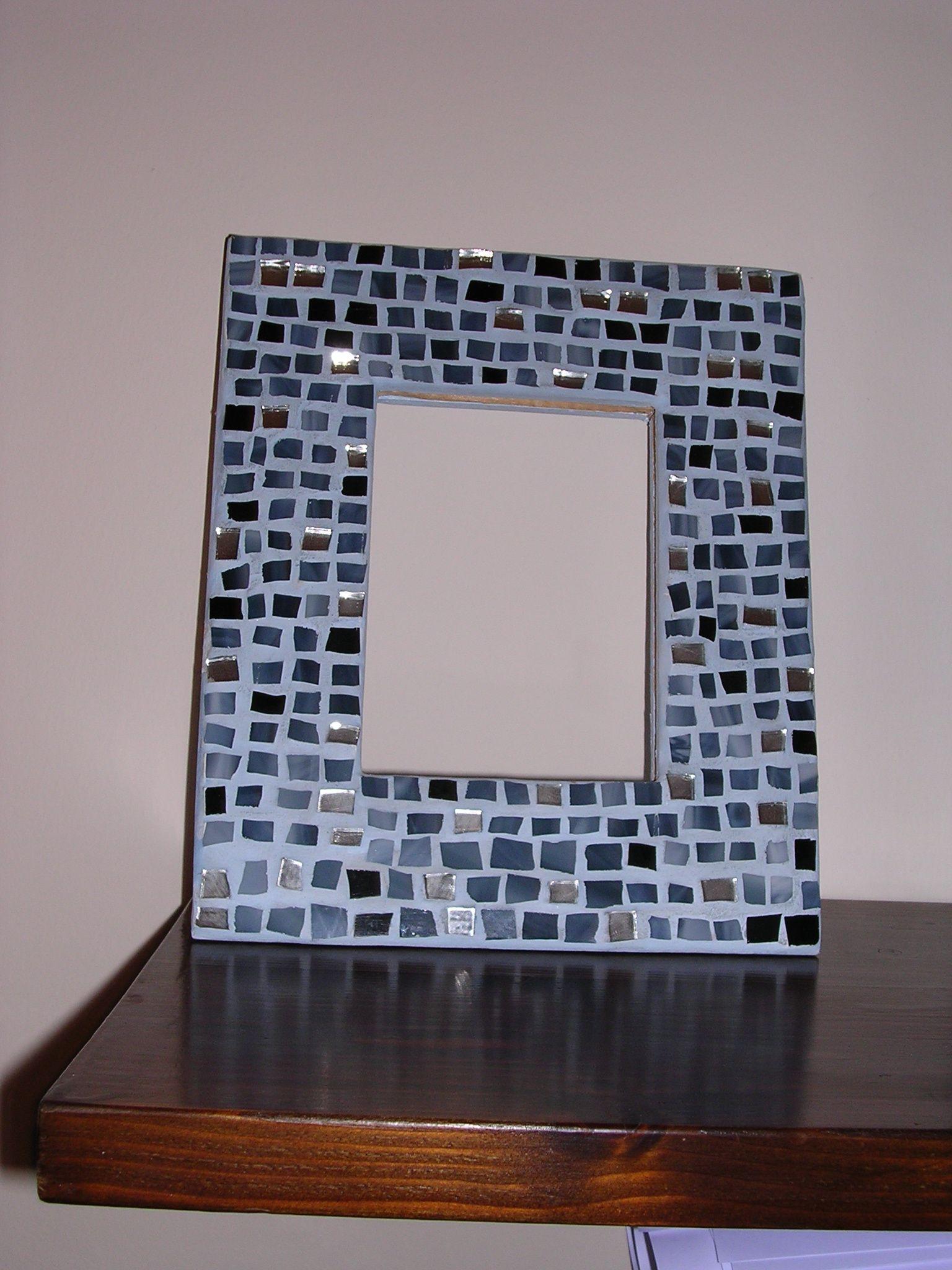 Il Mosaico E Gli Specchi.Cornice A Mosaico Con Vetri E Specchio Idee Realizzate Specchi E