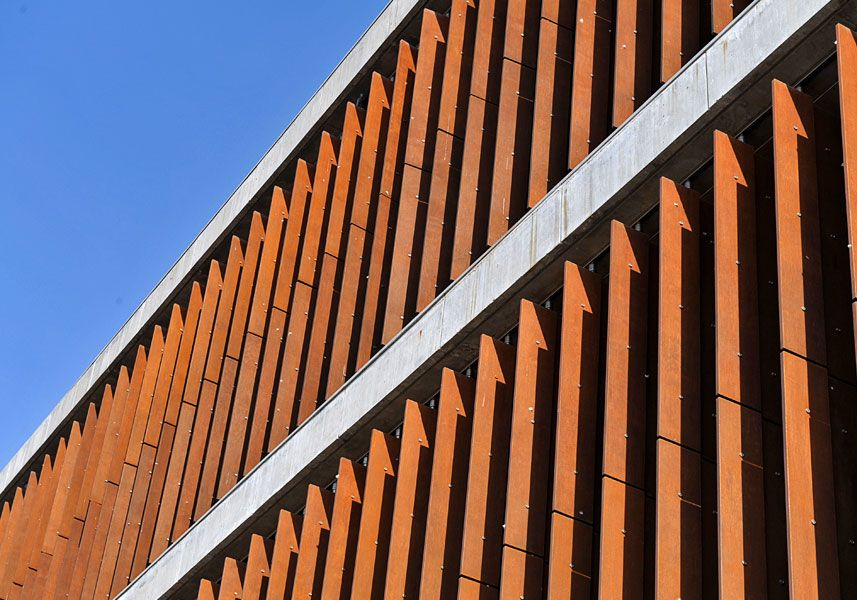 Vertical Rigid Louver System Vertical Shading Devices Pinterest Facades