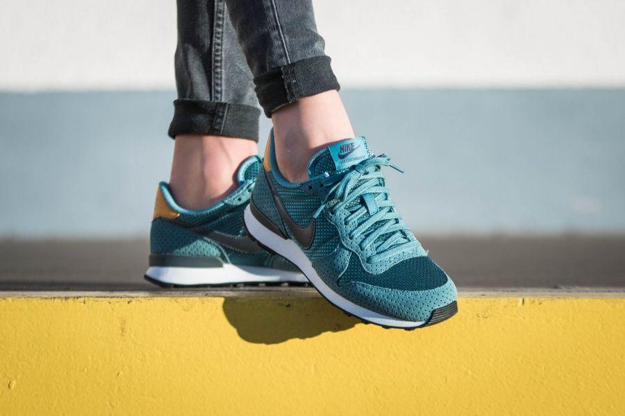 timeless design 31ec8 e9a24 Nike - WMNS Internationalist Premium (blau   grün) - 828404-300