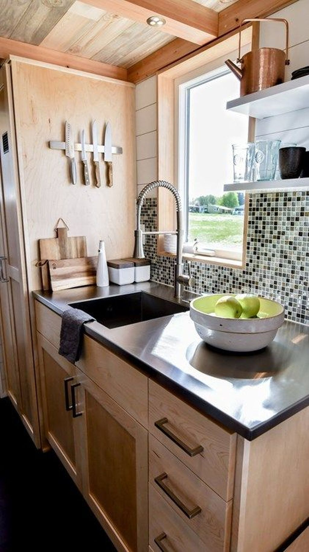 30 Wonderful Kitchen Cabinets Ideas For Your Tiny House Tiny House Kitchen House Design Kitchen Tiny House Interior