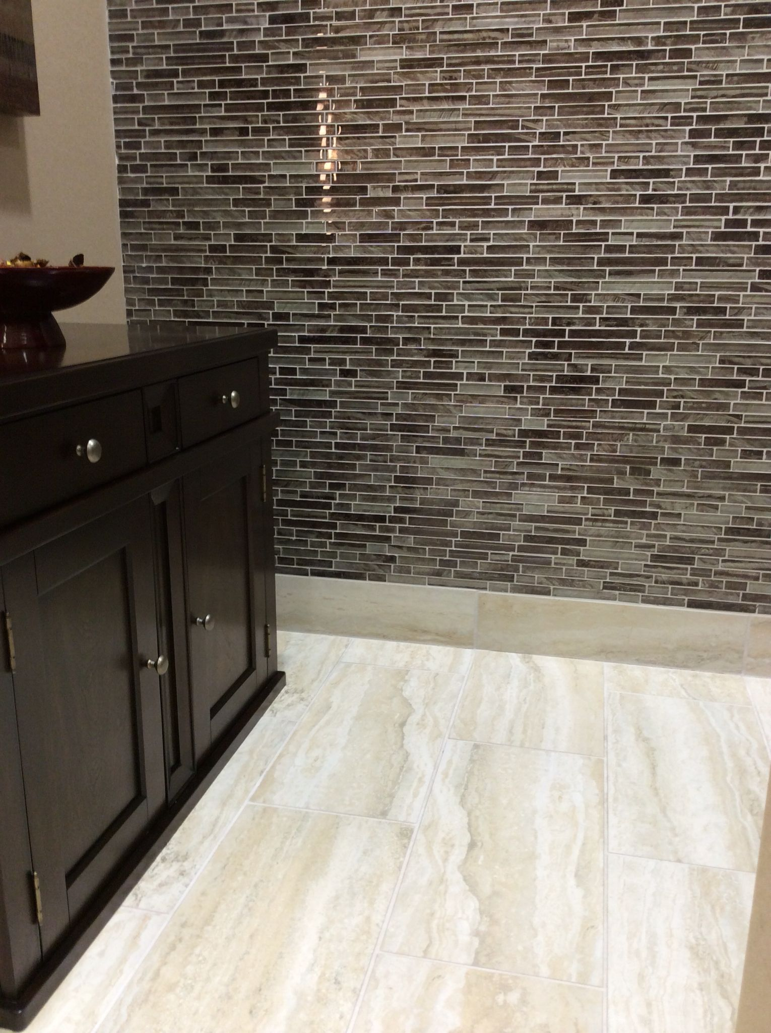 Daltile Tiger Eye Mosaic TE Bali And San Michele SI Crema X - Daltile beachwood