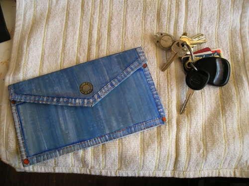 Cardboard purse out of denim http   www.instructables.com id 7271cb47f02