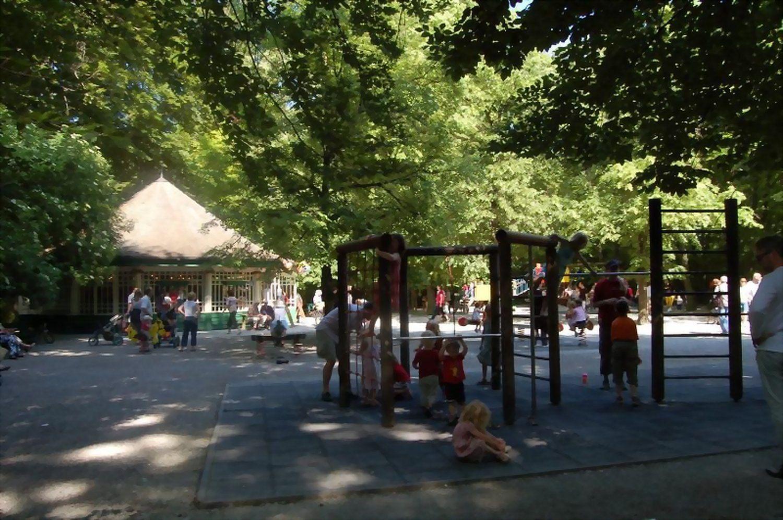 Spielplatz Englischer Garten Munchen So Maximieren Sie Ihr Raumlayout Von Spielplatz Am Chinesischen Turm Englischer Garten Schwabin Street View Scenes Views