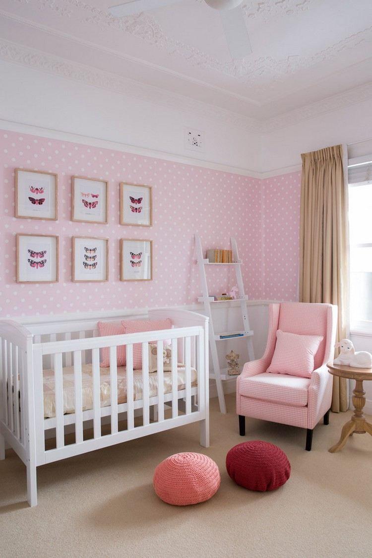 babyzimmer in zartrosa und weiß - tapete mit punktenmuster | baby, Schlafzimmer design