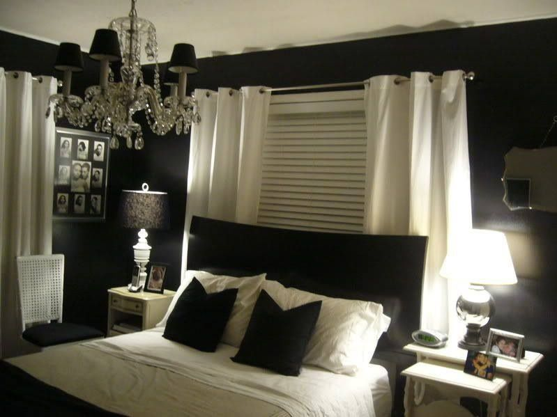 black and white bedroom theme