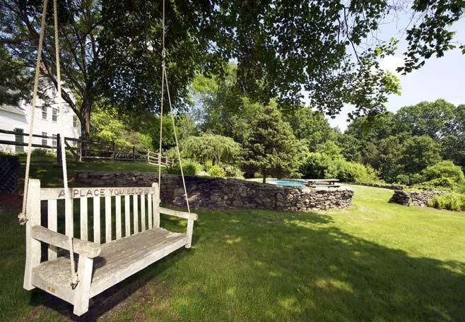Gallery: Renee Zellweger's Connecticut country home