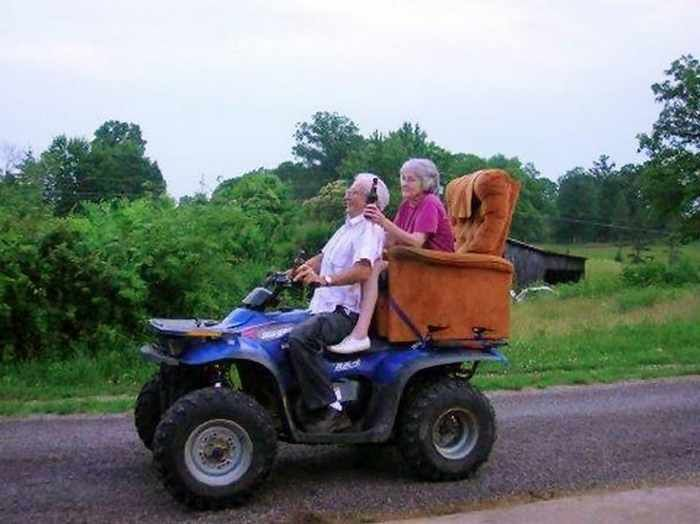 22 Old Age Couples Prove That Youre Never Too Old To Have Fun  Page 2 of 4