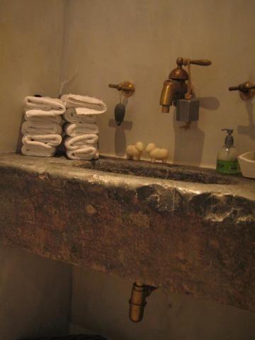 ARTHUR BOURS Antiquiteiten en op maat gemaakte keukens, kasten en ...