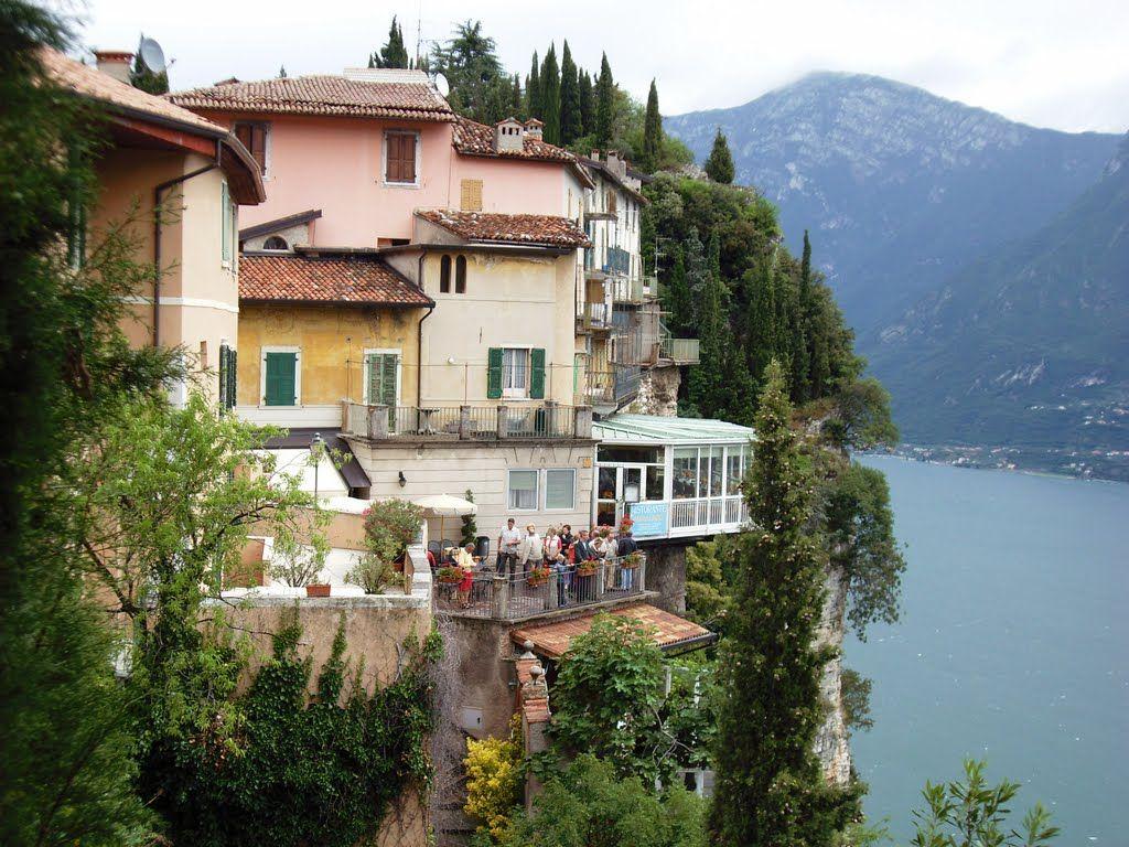 Tremosine Bs Pieve Terrazzo Del Brivido House Styles