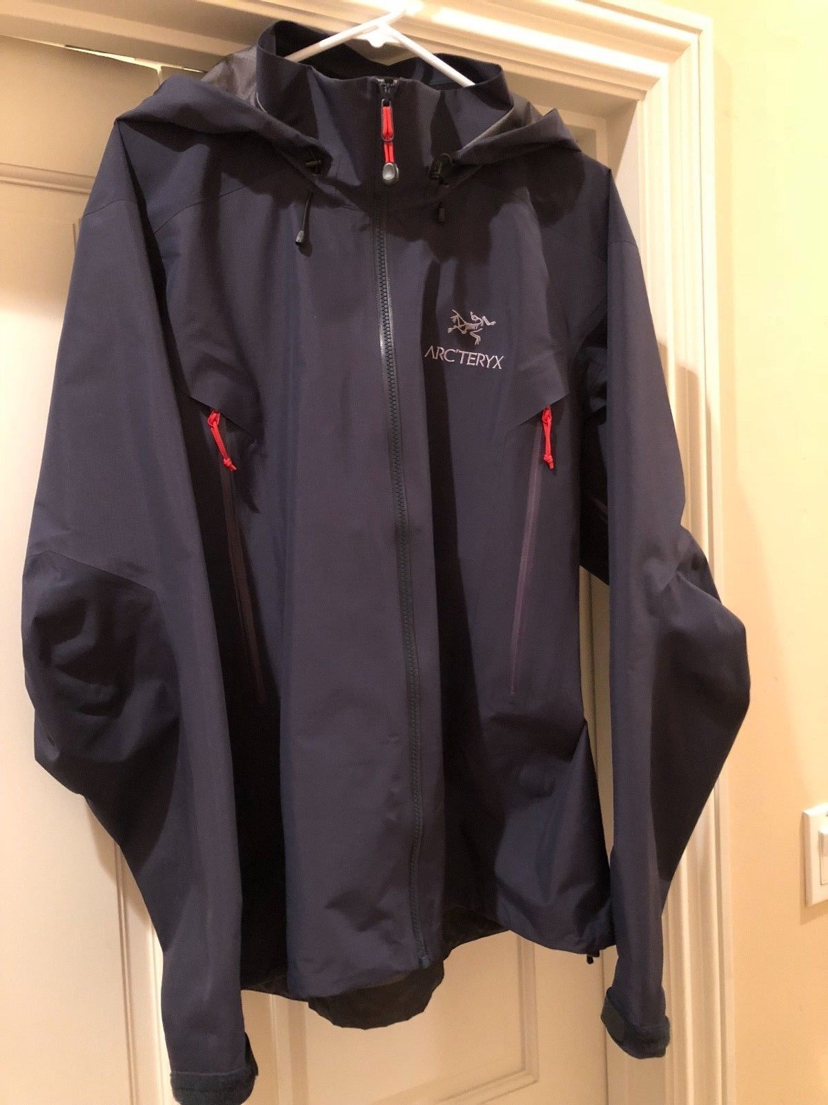 fdbe41c1 Arc'teryx Beta AR Nighthawk - Size Large | Men's Clothing | Jackets ...